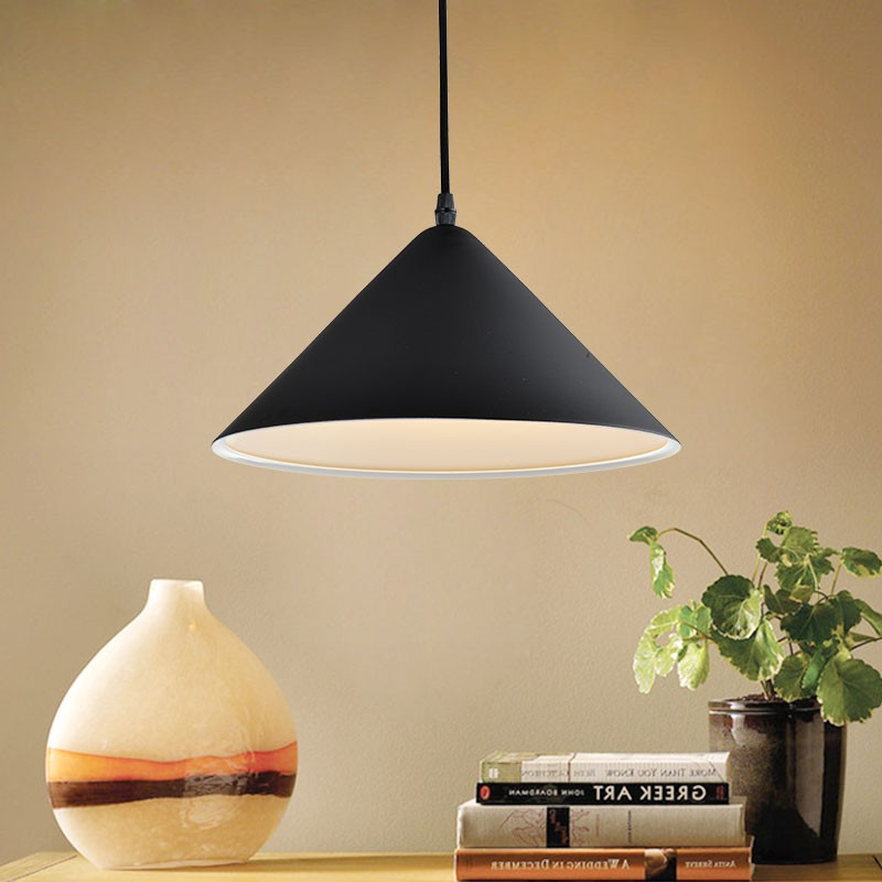 1-Light Black Metal Modern Pendant Light (HKP31384-1)
