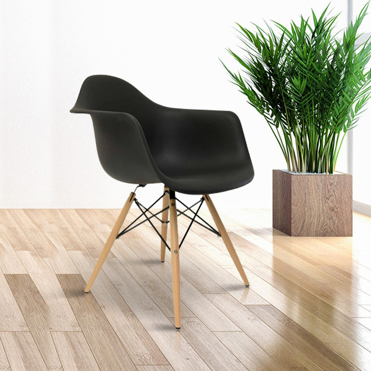 Molded Plastic Arm Chair in Black (T813E008-BK)