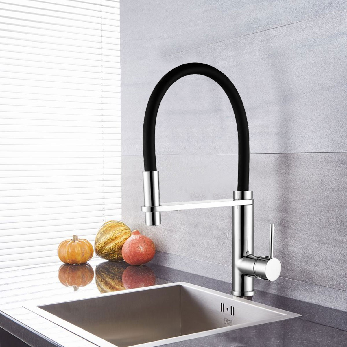 Chrome Kitchen Faucet with Black Flexible Hose (YDL0002)