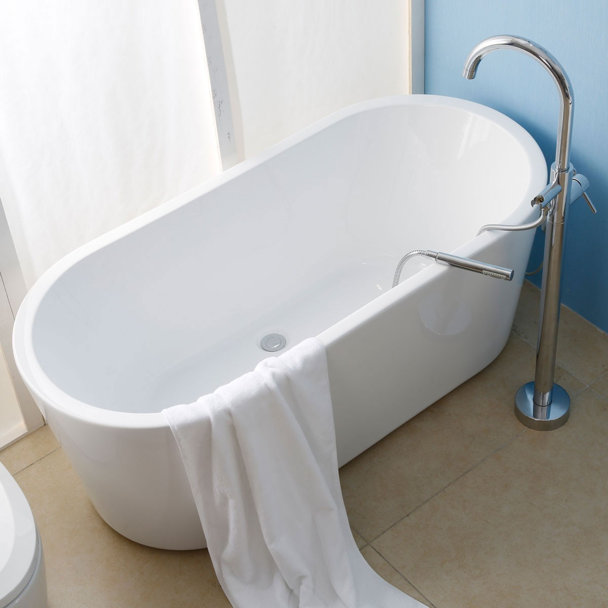 65 In Seamless Acrylic Freestanding Bathtub (DK-AT-1681W)