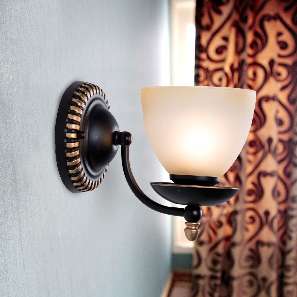 Lustre en Fer Forgé avec Abat-jour en Verre à 1 Ampoule - Noir (DK-2037-1W)