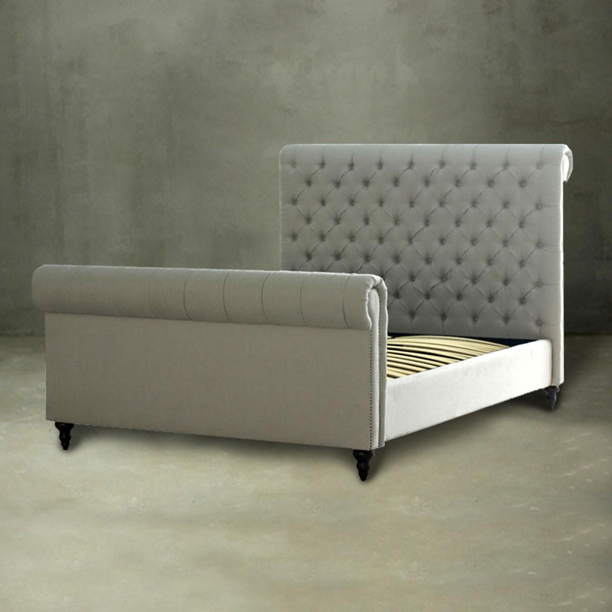 grand lit plateforme 2 places avec dossier capitonn et. Black Bedroom Furniture Sets. Home Design Ideas