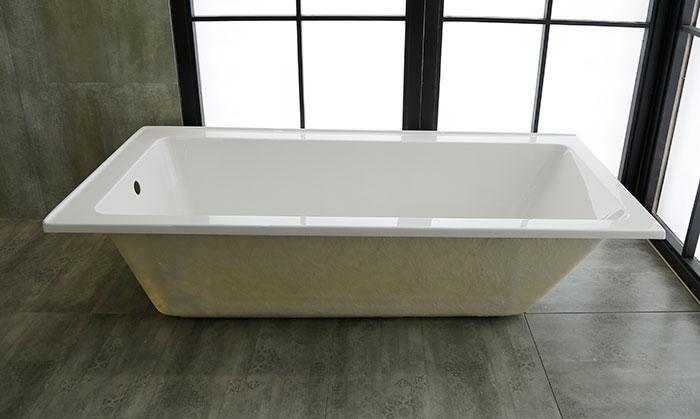 65 po baignoire encastrable blanche en acrylique de salle for Hauteur baignoire encastrable